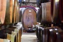 Weinfässer inder Bodega von Jalon
