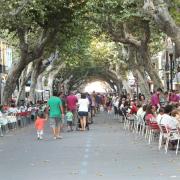 Die Haupt-Einkaufsstraße in der Innenstadt
